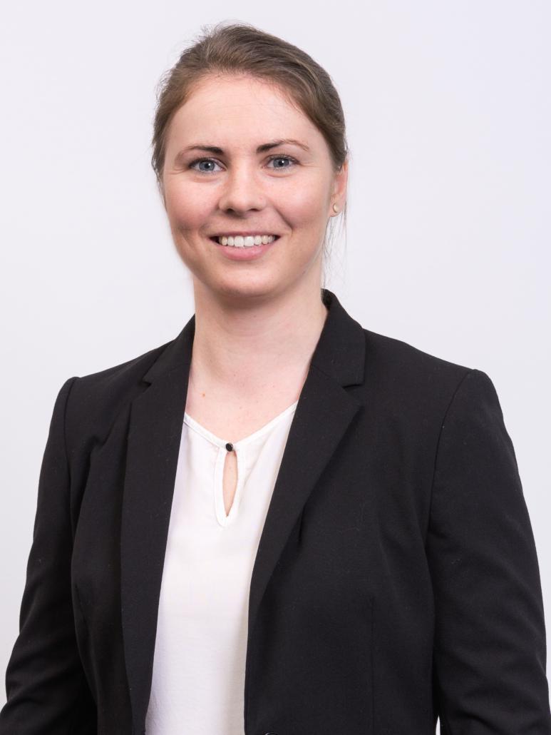 Dr. Anne Hennig